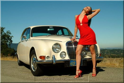 Sanja Fashion with car by sanjamatice