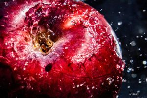 Juicy Apple by Spid4