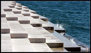 Stairs to the sea by Error99