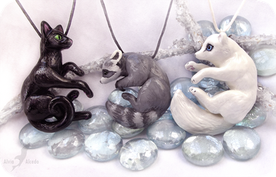 Black grey and white - animal necklaces by AlviaAlcedo