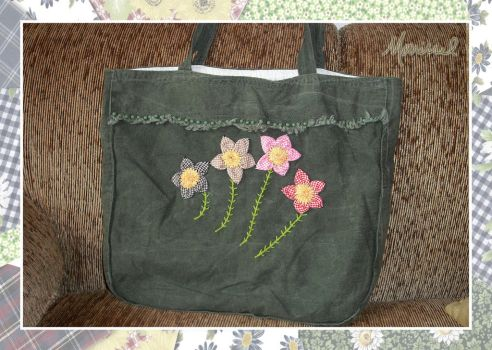 Four Flowers Handbag by marissel