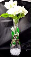 Leaf Dragon Vase by LittleCLUUs