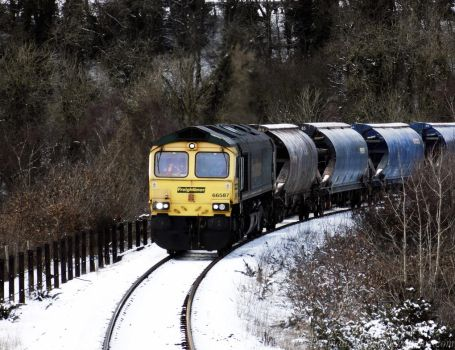 Winter Freight Train by dramaticpeanut