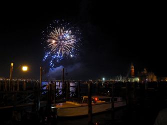 Fireworks on the Lagoon by Enlothien