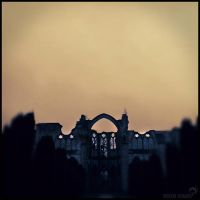 Abbaye de Chiry Ourscamp by winona-adamon