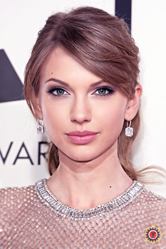 Taylor Swift and Angelina Jolie Fusion by Tigersquall96