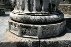 Column Base,Temple of Apollo, Didyma by RichardEly