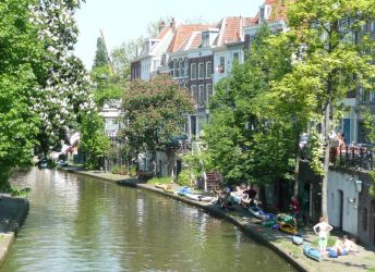 Utrecht, flowering canals by EricForFriends