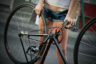 Thoughts of a Fixie Chick by KyleBasile