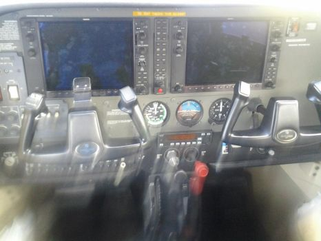 Cessna 172SP Cockpit by Crypto-137