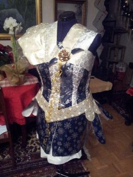 Project Sewing Mannequin gift-wrapping part 3 by Psycho-Panda
