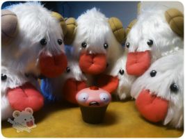 League of Legends - Poro plush and Lulu's cupcake by PoroAdoptionCenter