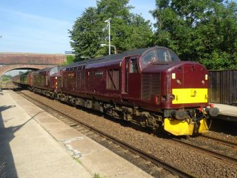 WCRC 37 668 and 37 516 at Lostock Hall by BoomSonic514