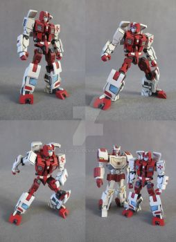 IDW First Aid replica by Klejpull