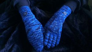 Night blue transforming gloves by KnitLizzy