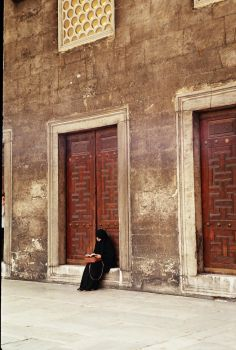woman in the Blue Mosque by USASHA