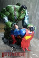 hulk vs Superman diorama by darededo