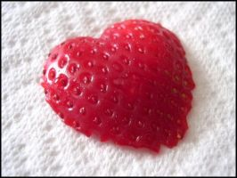 Strawberry Heart by barbera