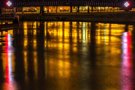 Mirroring Light by LifeRhythm