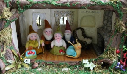 Gnome Family Moves In by sojala