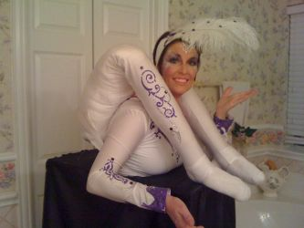 Contortion costume by Hassliebling