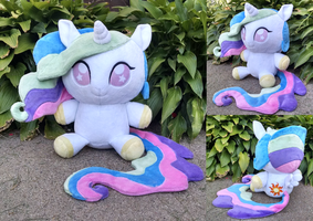 Princess Celestia Floppy plush by Bakufoon