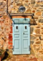 Old house, new door by seianti