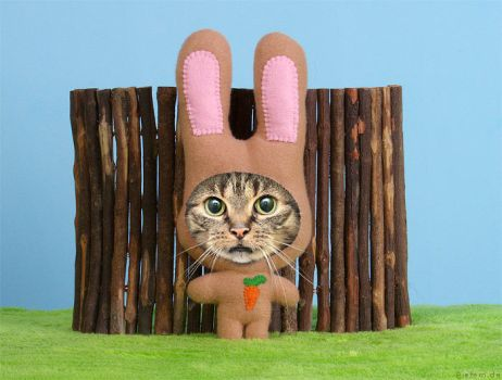 Tiffys temp job - easterbunnycat by hoschie