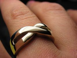 Gold infinity ring by Vansee-Jewelry