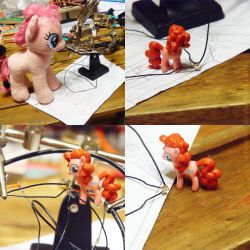 Pinkie and a Microphone by umneem