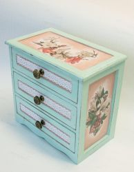 Box for jewelry with lilies by PushinkaArt