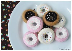 Felt Donuts by littlepaperforest