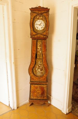 Vintage clock with pendulum by A1Z2E3R