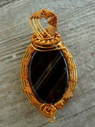 Wire wrapped Agate pendant by Naldor
