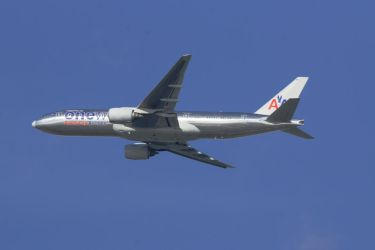 American Airlines One World 777-223ER by hanimal60