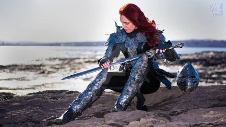 women leather armor (metal effect) by Lagueuse