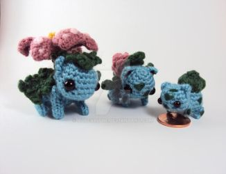 Commission - Bulbasaur Family by altearithe