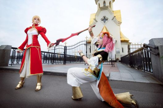 Saber and Tamamo no Mae cosplay by Gennadia
