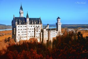 Autumn  arive Neuschwansteincastle. by Phototubby
