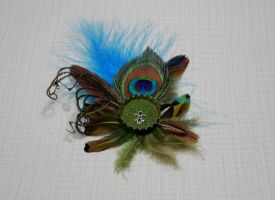 Beer cap peacock feather boutonniere [SOLD] by TheBohoCraftsShoppe