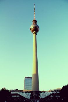 Berlin Radio Tower by HQN89