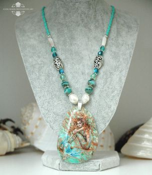 Green Lagoon Mermaid Necklace Full View by Mocten