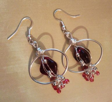 red glass pyramids and drop rocailles earrings by syn-O-nyms
