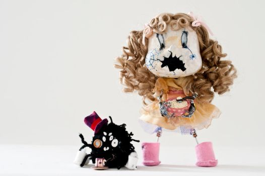 Little Miss Muffet and Spider by vimfuego
