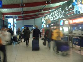 Luton Airport 07 - inside by Rykan