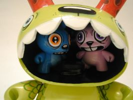 8 inch dunny custom closeup by BiLBetsOviC