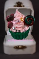 Holiday Swirl Cupcake Ring by prettypop