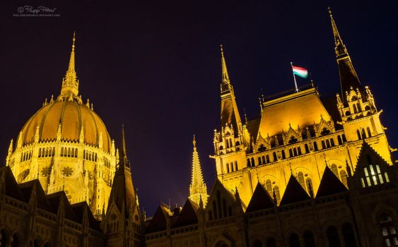Budapest Parliament by PetydeNecro