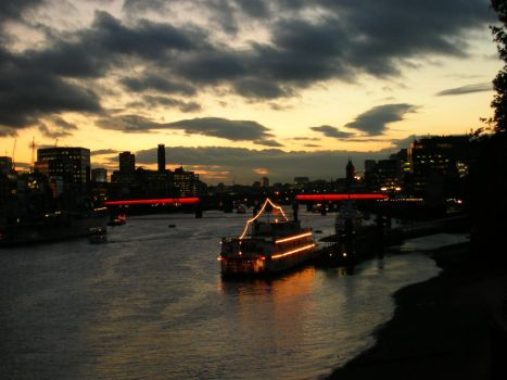 London calling by MaggieMay83