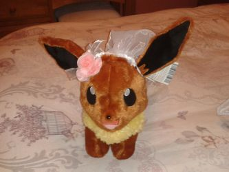 Eevee Bride without gown on by roseprincessmitia